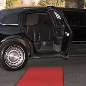 Order limousine for clubbing in style of celebrities